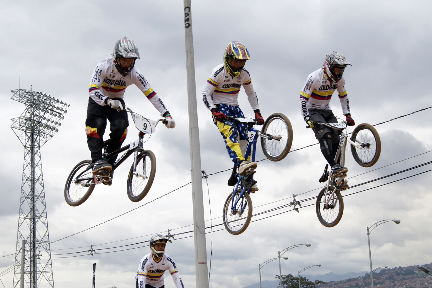 BMX COLOMBIANO A POR MAYORES RETOS